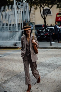 street_style_paris_fashion_week_loewe_christian_dior_546811608_800x