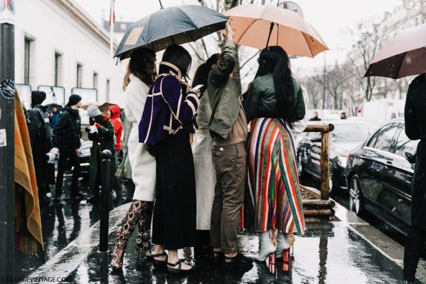 PFW-Paris_Fashion_Week_Fall_17-Street_Style-Collage_Vintage-Mugler-Acne-12-1800x1200